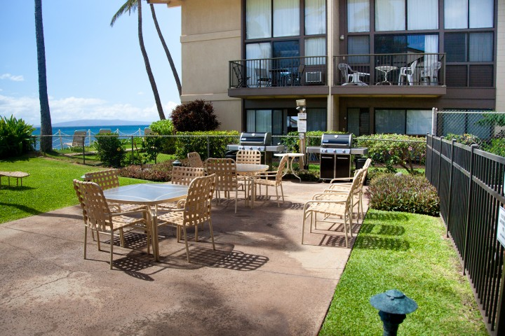 Large bbq and dining area ocean front at Makani A Kai